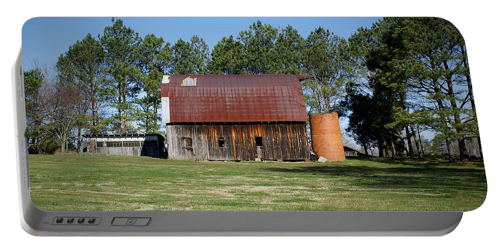 Barn Portable Battery Charger featuring the photograph Barn With Tree In Silo by Douglas Barnett