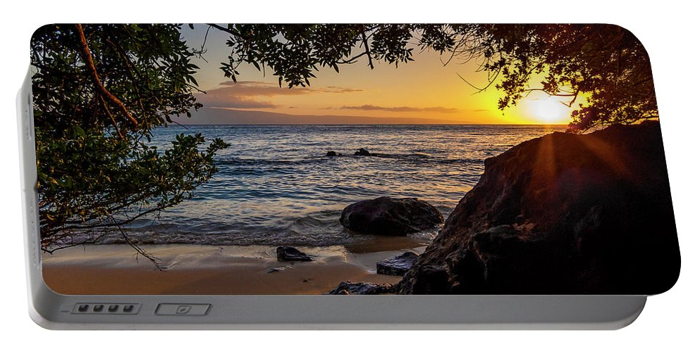 Sunset Portable Battery Charger featuring the photograph Beach Sunset by Daniel Murphy