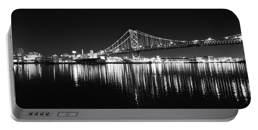 Benjamin Portable Battery Charger featuring the photograph Benjamin Franklin Bridge - Black And White At Night by Bill Cannon