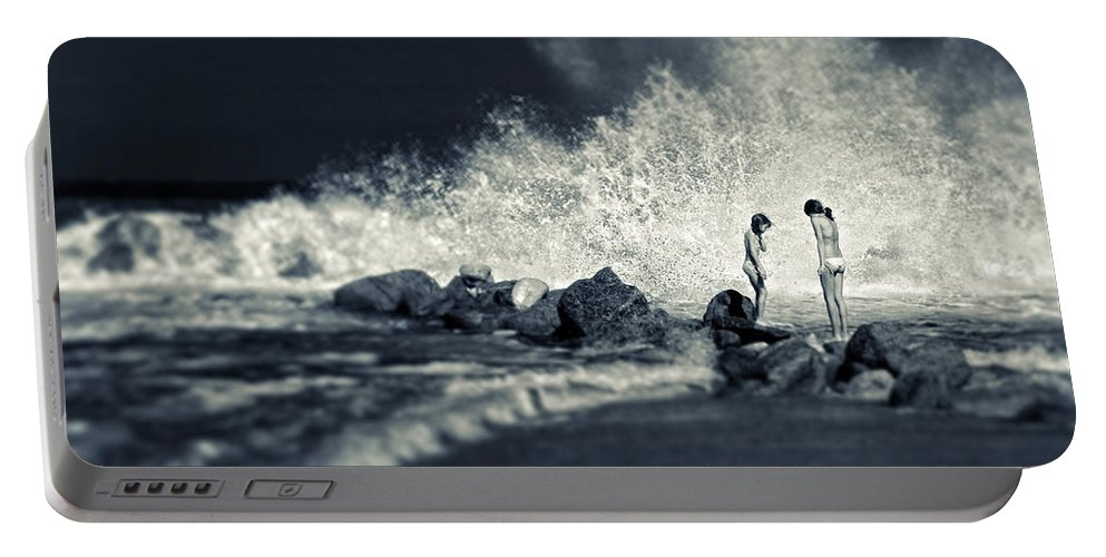 Split Toned Portable Battery Charger featuring the photograph Big Wave by Silvia Ganora