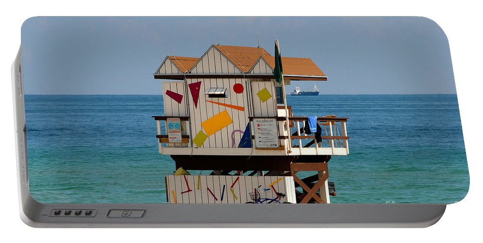 Miami Beach Portable Battery Charger featuring the photograph Blue Bicycle by David Lee Thompson