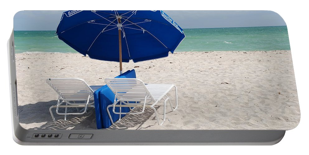 Sea Scape Portable Battery Charger featuring the photograph Blue Paradise Umbrella by Rob Hans