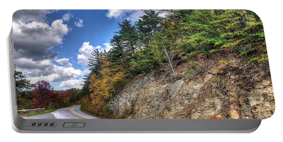 Blue Ridge Parkway Portable Battery Charger featuring the photograph Blue Ridge Parkway, Buena Vista Virginia 3 by Todd Hostetter