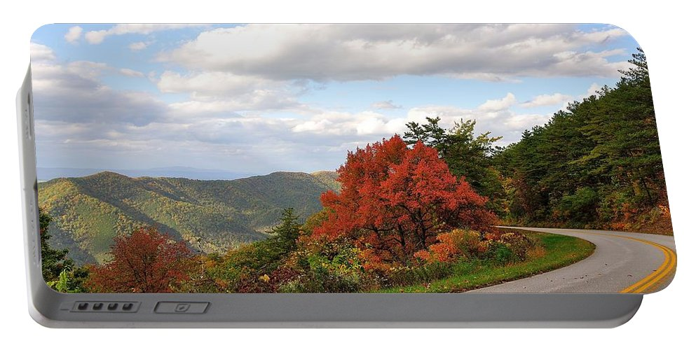 Blue Ridge Parkway Portable Battery Charger featuring the photograph Blue Ridge Parkway, Buena Vista Virginia 5 by Todd Hostetter