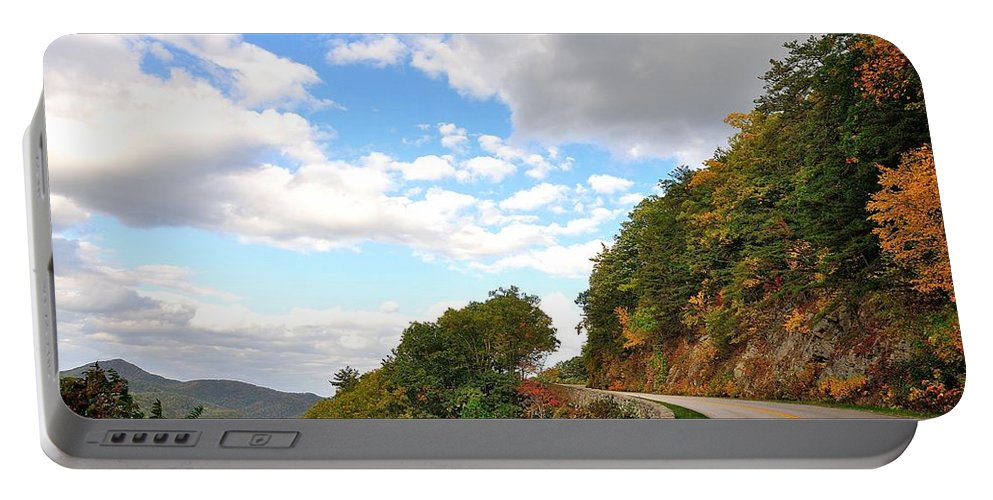 Blue Ridge Parkway Portable Battery Charger featuring the photograph Blue Ridge Parkway, Buena Vista Virginia 6 by Todd Hostetter