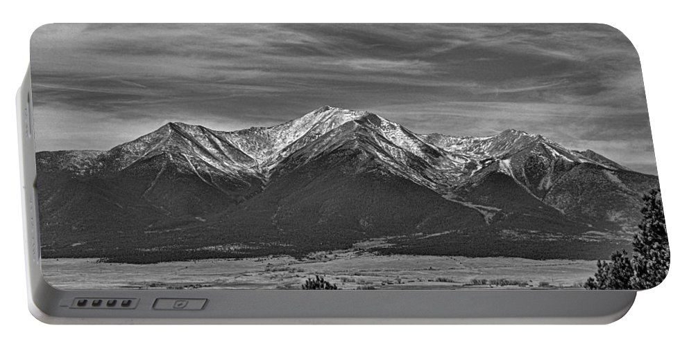 Boreas Mountain Portable Battery Charger featuring the photograph Boreas Mountain And Siblings by Robert Meyers-Lussier