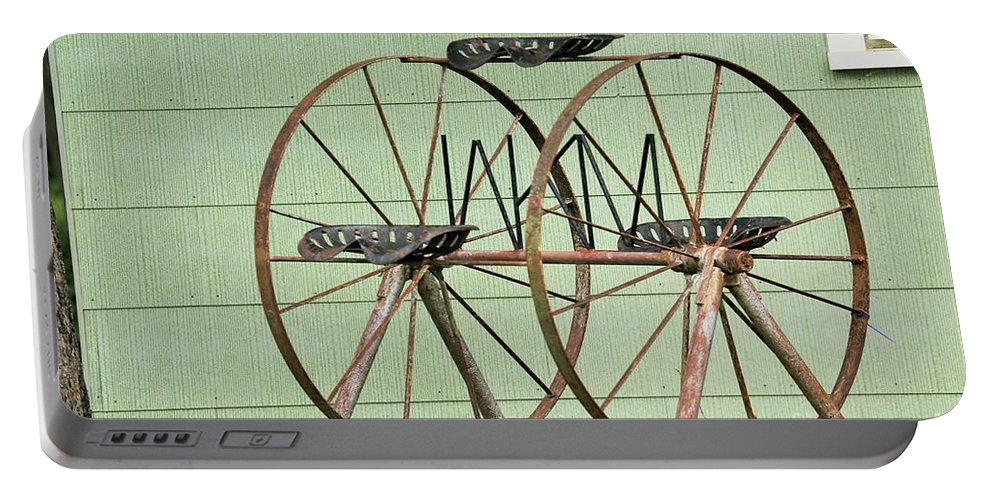 Portable Battery Charger featuring the photograph Bubbas Fairs Wheel by Jeff Downs