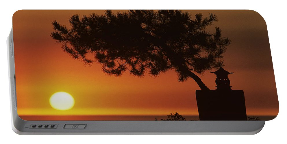 America Portable Battery Charger featuring the photograph California, Big Sur Coast by Larry Dale Gordon - Printscapes