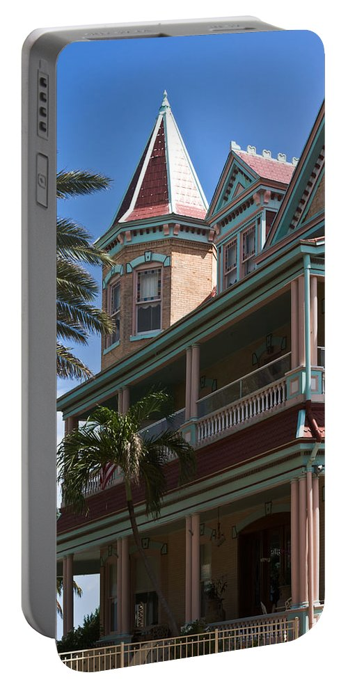 Architecture Portable Battery Charger featuring the photograph Casa Cayo Hueso by Ed Gleichman