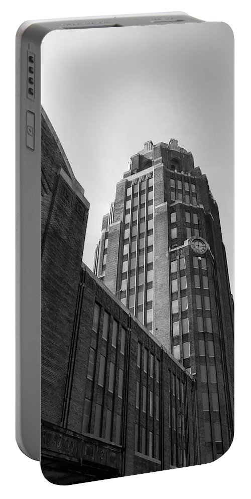 Buildings Portable Battery Charger featuring the photograph Central Terminal 15142 by Guy Whiteley