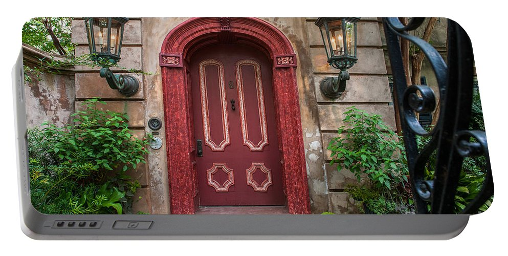 Charleston Portable Battery Charger featuring the photograph Charleston Sc Grand Entrance by Dale Powell