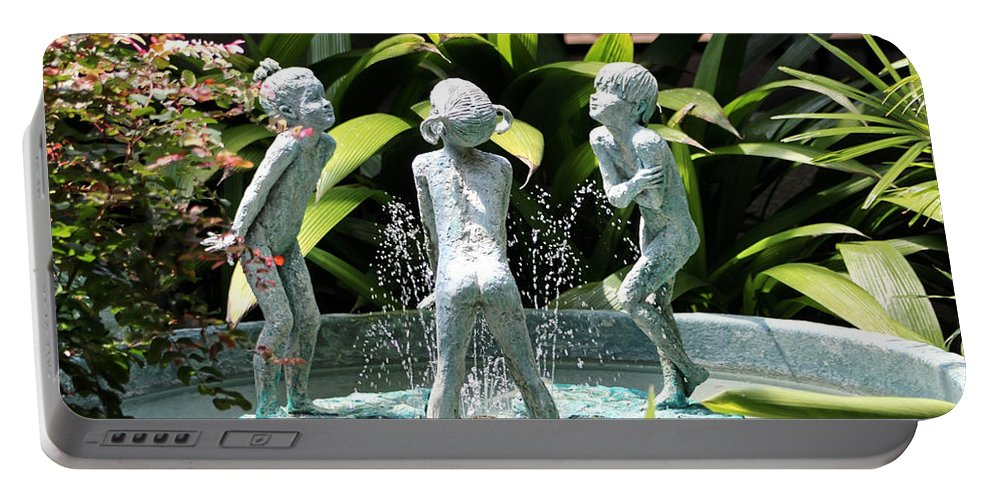 Cheekwood Gardens Portable Battery Charger featuring the photograph Cheekwood Fountain by Gayle Miller