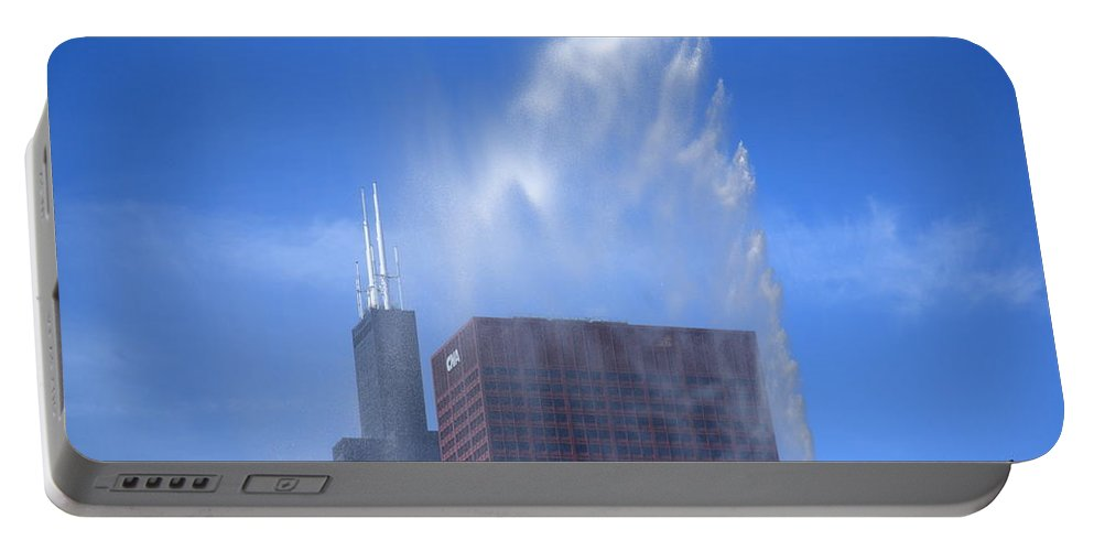 America Portable Battery Charger featuring the photograph Chicago - Buckingham Fountain by Frank Romeo