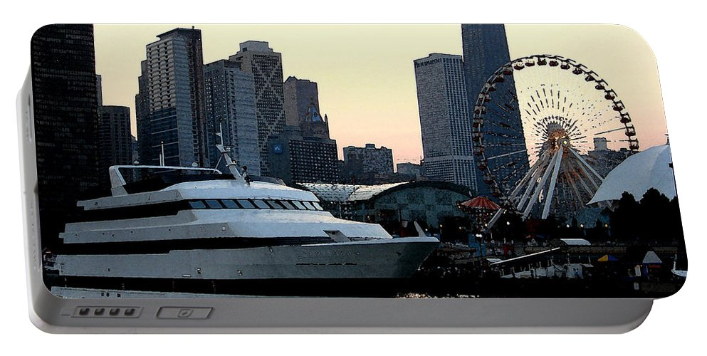 Photo Portable Battery Charger featuring the photograph Chicago Navy Pier by Glory Fraulein Wolfe