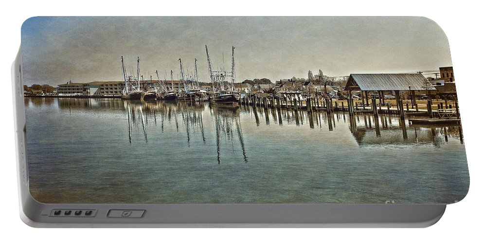 Chincoteague Bay Portable Battery Charger featuring the photograph Chincoteague Bay by Tom Gari Gallery-Three-Photography