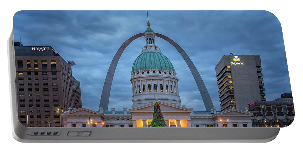 Christmas Portable Battery Charger featuring the photograph Christmas Jefferson National Expansion Memorial St Louis 7r2_dsc3574_12112017 by Greg Kluempers