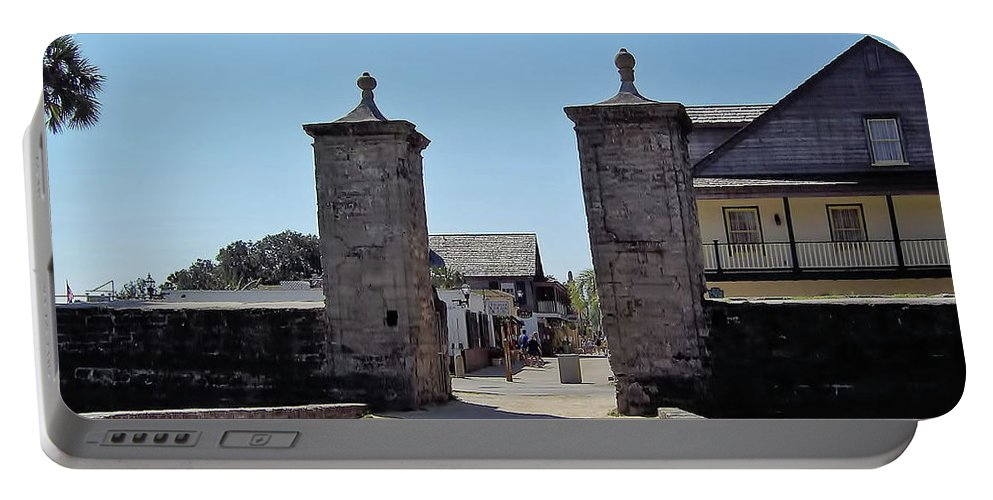 City Gates Portable Battery Charger featuring the photograph City Gate Of St Augustine by D Hackett