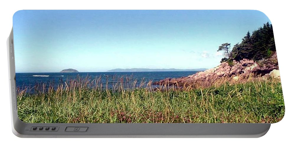 Barbara Griffin Portable Battery Charger featuring the photograph Cliffside by Barbara Griffin