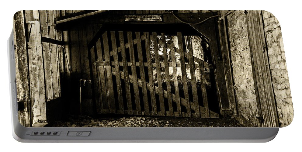 Barn Portable Battery Charger featuring the photograph Closed Barn by Ed Ostrander