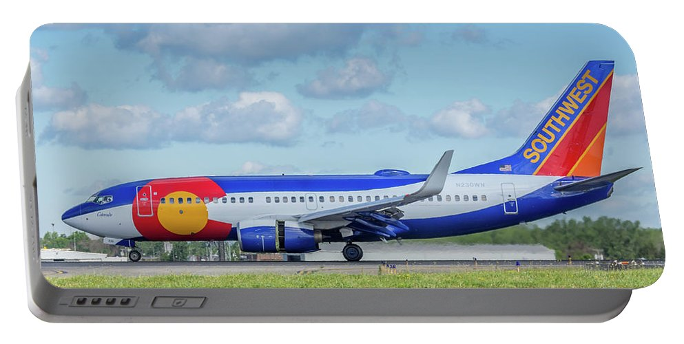 737 Portable Battery Charger featuring the photograph Colorado One by Guy Whiteley