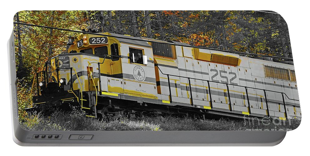 Conway Scenic 252 Portable Battery Charger featuring the photograph Conway Scenic 252 by Patti Whitten