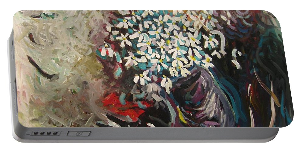 Daisy Paintings Portable Battery Charger featuring the painting Daisy In Vase3 by Seon-Jeong Kim
