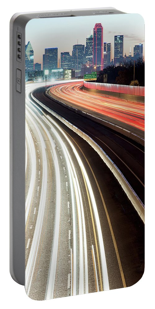 Dallas Skyline Portable Battery Charger featuring the photograph Dallas Morning Rush 122117 by Rospotte Photography