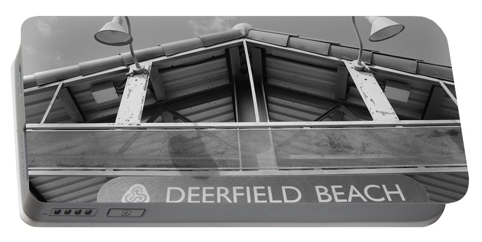 Black And White Portable Battery Charger featuring the photograph Deerfield Beach by Rob Hans