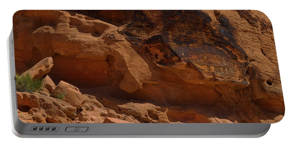Landscape Portable Battery Charger featuring the photograph Desert Varnish Petroglyphs Valley Of Fire by Frank Wilson
