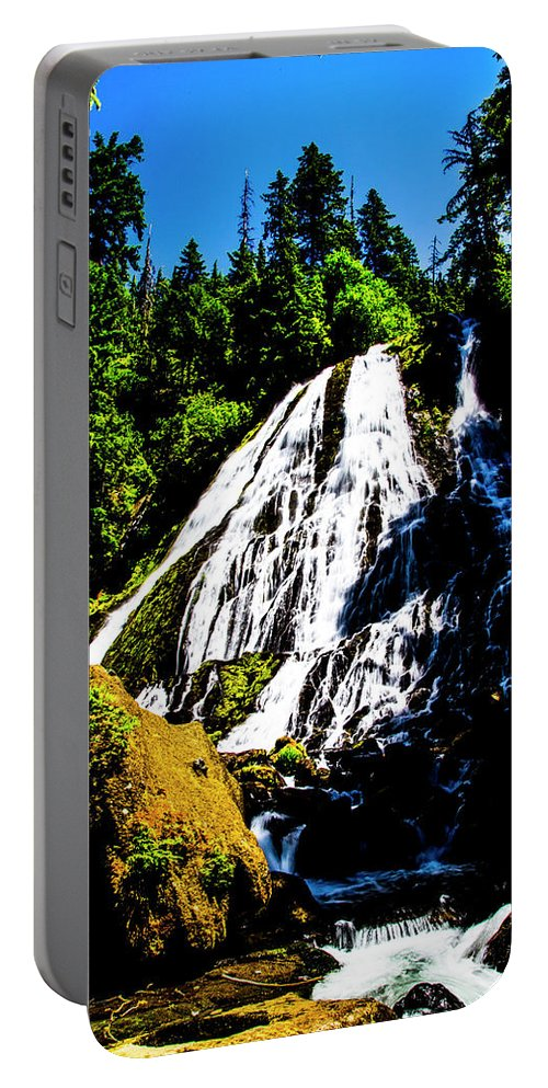 Portable Battery Charger featuring the photograph Diamond Creek Falls by Angus Hooper Iii