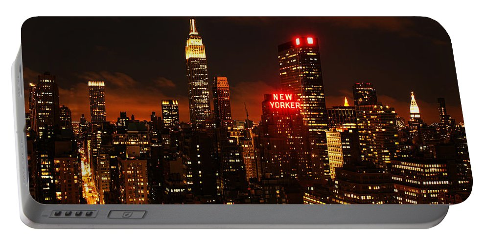 New York Portable Battery Charger featuring the photograph Digital Sunset by Andrew Paranavitana