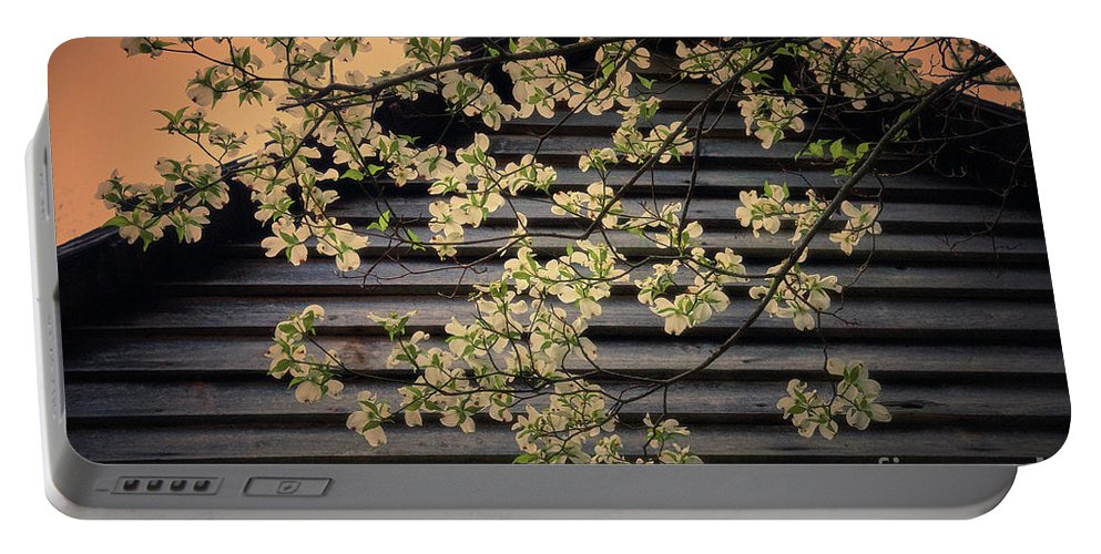 Nature Portable Battery Charger featuring the photograph Dogwood Cabin, Smoky Mountains, Tennessee by Stanton Tubb