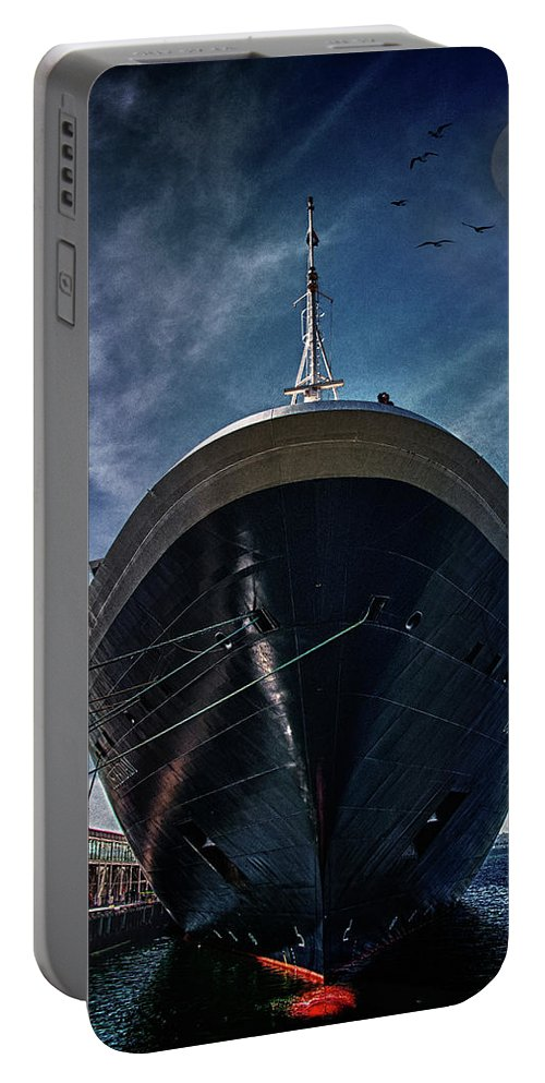 Cruise Portable Battery Charger featuring the photograph Dutchman by Chris Lord