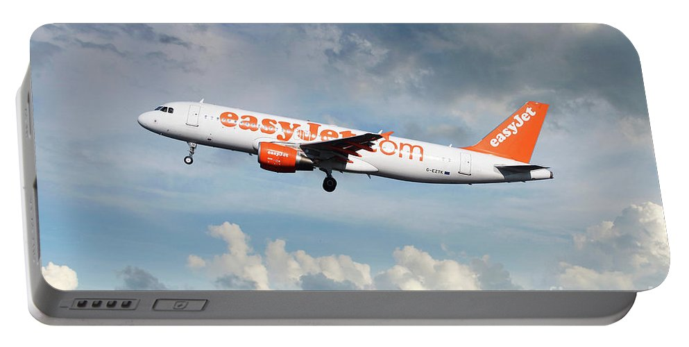 Airbus A320 Portable Battery Charger featuring the digital art Easyjet Airbus A321-214 G-eztk by J Biggadike