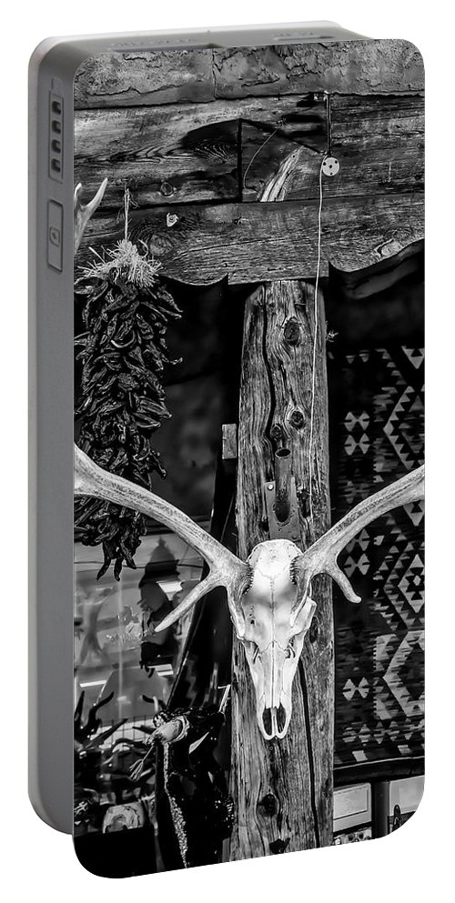 Elk Portable Battery Charger featuring the photograph Elk Skull In Black And White by Garry Gay