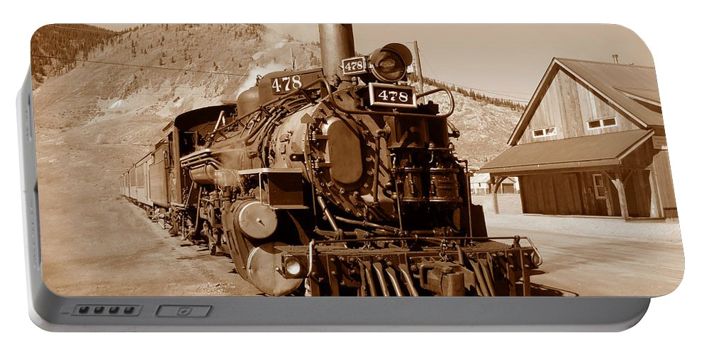 Train Portable Battery Charger featuring the photograph Engine Number 478 by David Lee Thompson