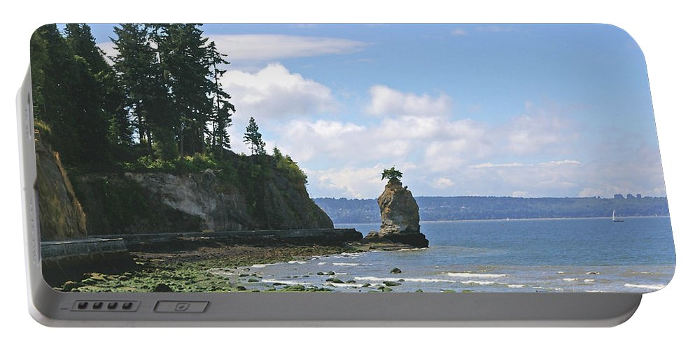 Stanley Park Portable Battery Charger featuring the photograph English Bay by Tom Reynen