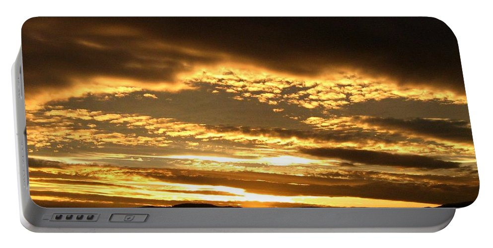 Sunset Portable Battery Charger featuring the photograph Evening Grandeur by Will Borden