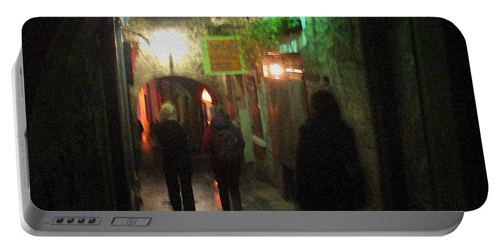 Ireland Portable Battery Charger featuring the photograph Evening Shoppers by Tim Nyberg