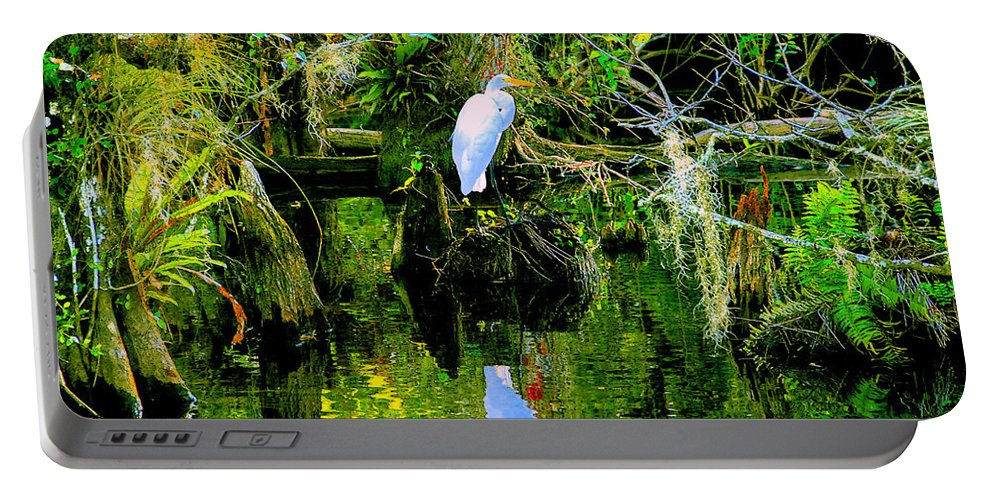 Everglades Portable Battery Charger featuring the painting Everglades Egret by David Lee Thompson