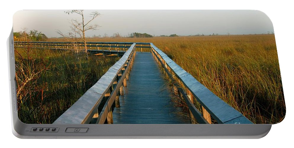 Everglades National Park Florida Portable Battery Charger featuring the photograph Everglades National Park by David Lee Thompson