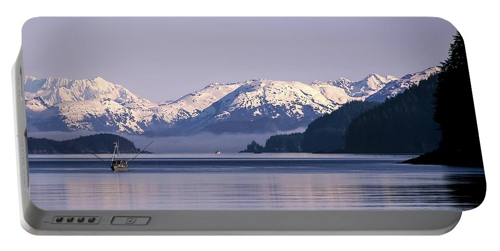 Fairweather Portable Battery Charger featuring the photograph Fairweather Mountain Range Alaska by NaturesPix