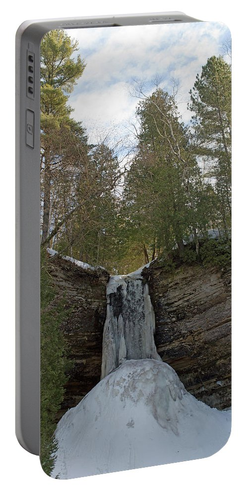 Munising Falls Portable Battery Charger featuring the photograph Fall Of Ice by Linda Kerkau