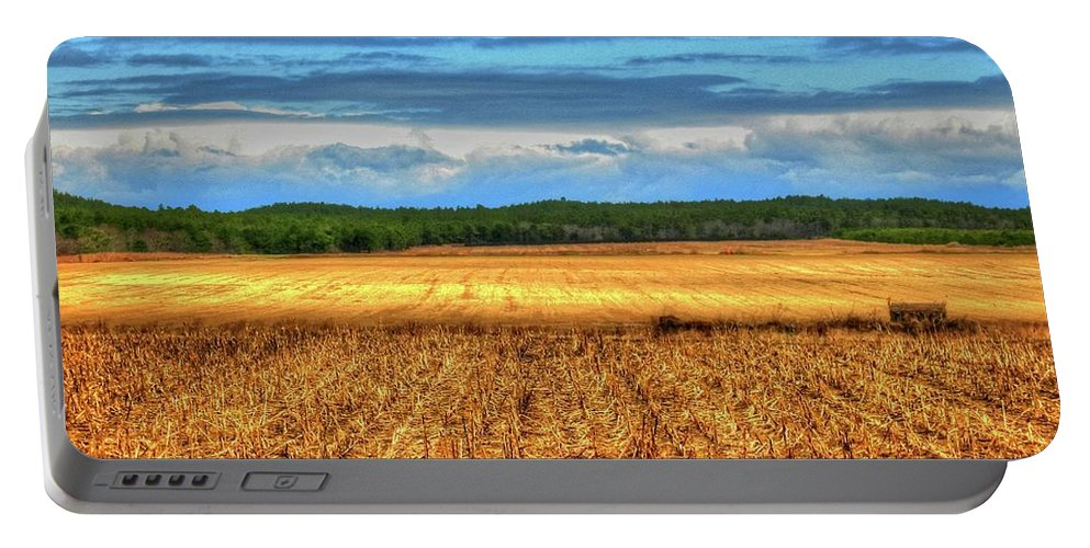 Farm Li.ny Portable Battery Charger featuring the photograph Golden Field Farm Li.ny by Terry McCarrick