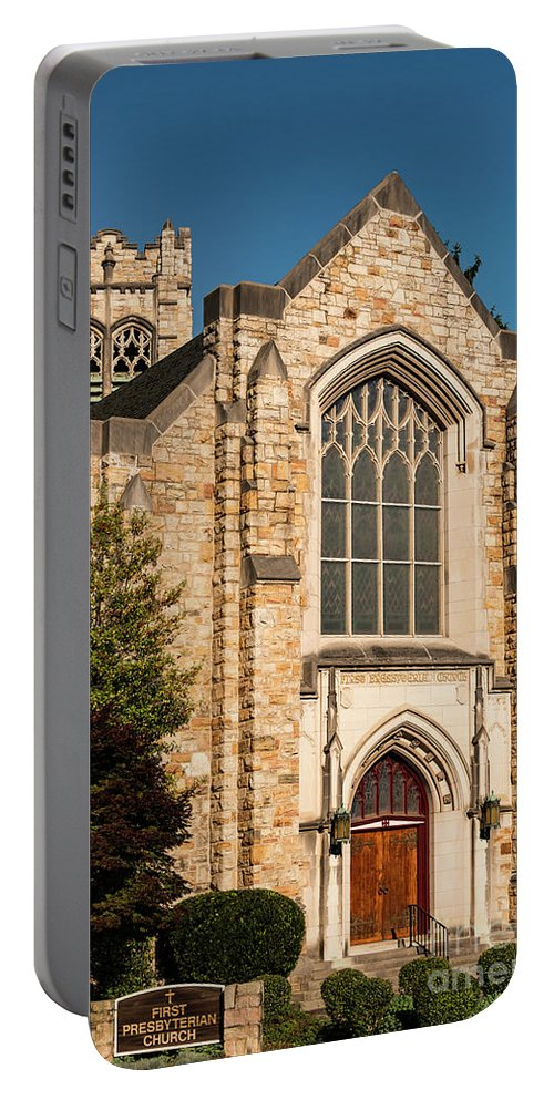 First Evangelical Presbyterian Church Roanoke Virginia Churches Place Of Worship Places Of Worship Building Buildings Structure Structures Architecture City Cities Cityscape Cityscapes Portable Battery Charger featuring the photograph First Evangelical Presbyterian Church by Bob Phillips