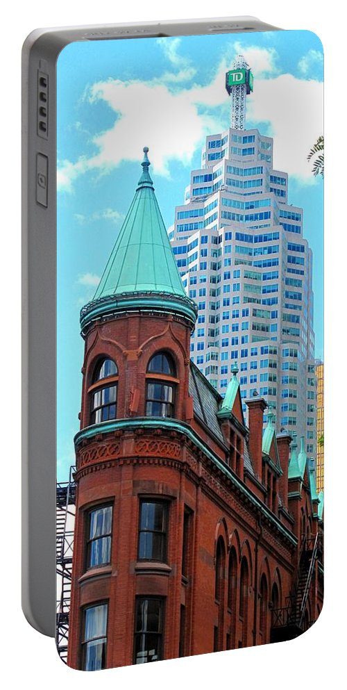 Flat Iron Building Portable Battery Charger featuring the photograph Flat Iron Building by Ian MacDonald