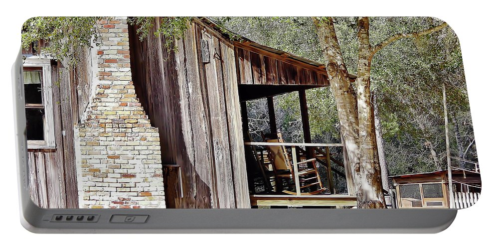 Home Portable Battery Charger featuring the photograph Florida Cracker Homestead by D Hackett