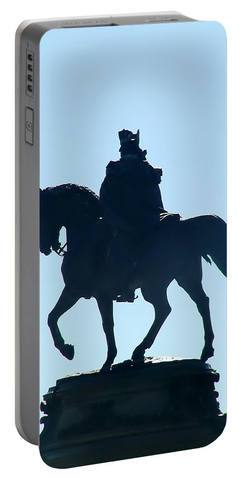 George Washington Portable Battery Charger featuring the photograph George Washington Monument Philadelphia by Bill Cannon
