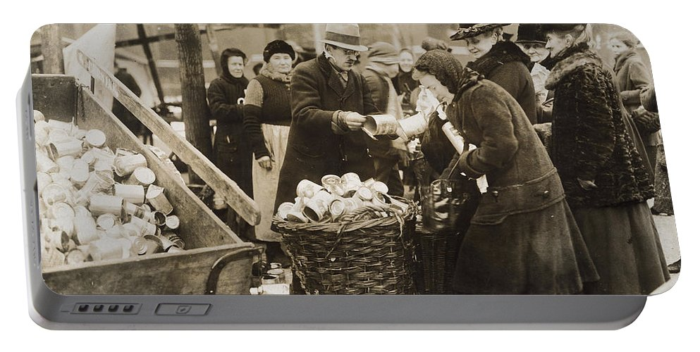 1923 Portable Battery Charger featuring the photograph Germany: Inflation, 1923 by Granger
