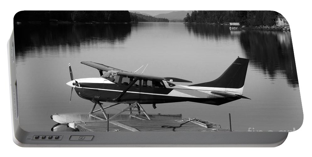 Float Plane Portable Battery Charger featuring the photograph Getting Away by David Lee Thompson